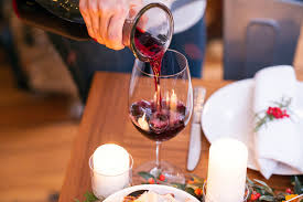 thanksgiving wine glasses a guide to the best wines for thanksgiving