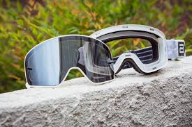 motocross action magazine favorite goggles blur b 50 magnetic goggle product report transworld motocross