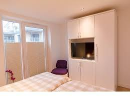 Schlafzimmer Tv M El Ferienwohnung Am Strand Baltic View I Mieten Baltic View Laboe