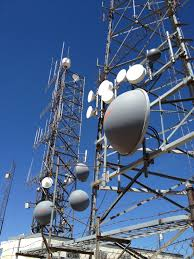 file collocated antennas on towers jpg wikimedia commons