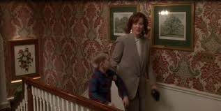 i love the home alone wallpaper for the home pinterest