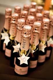 wine bottle wedding favors best 25 chagne wedding favors ideas on chagne
