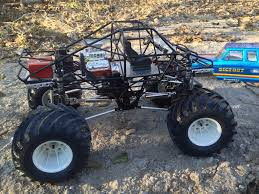 nitro rc monster trucks who is building the mponster truck chassis now