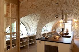 cuisine bastide cuisine dans une bastide du lubé j adore les murs et voûtes en