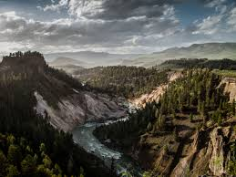 5 best hikes in yellowstone national park