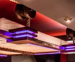 clairage chambre coucher design interieur lit suspendu design eclairage led spots encastres