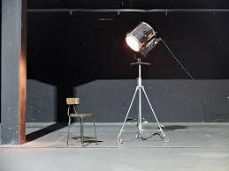 Esszimmer 30er Jahre Imposanter Vintage Filmscheinwerfer U0026 30er Jahre Fabrikstuhl Aus