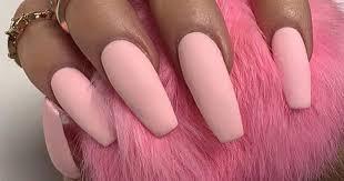 bubblegum pink nails