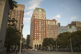 las vegas gunman booked chicago hotel rooms overlooking