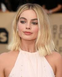 pictures of miss robbie many hairstyles margot robbie s hair story margot robbie short hair and blondes