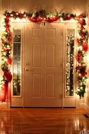 draped garland to accent the window christmas decorating ideas