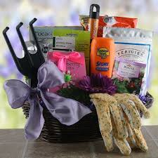 Garden Gift Ideas Gardening Gift Basket Ideas Compellon Us