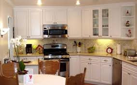 how much does it typically cost to refinish kitchen cabinets