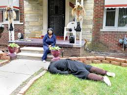 detroit woman u0027s halloween decoration draws police visits