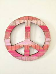 lovin these hippie peace sign ornaments that look like