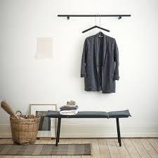 garderobenpaneel mit sitzbank bank und garderobe mit gruenen gartenbank aus metall sehr
