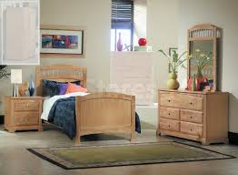 Narrow Bedroom Furniture by How To Arrange Furniture In A Small Bedroom House Living Room Design