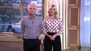 karen spencer countess spencer holly willoughby presents this morning in polka dots style