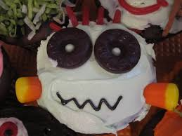 neighbor julia halloween cupcakes that kids can decorate