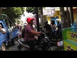 Teh Racek motovlog anak kost beli teh racek pake galon dan orang terpleset