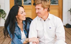 chip and joanna gaines tour schedule buzzfeed attacks chip and joanna gaines for being christians