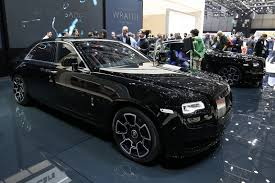 rolls royce wraith 2016 rolls royce wants to attract younger crowd with black badge models