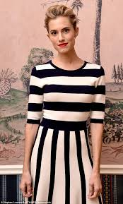 Key And Peele Superman Bed Allison Williams Dons Bold Stripy Frock At Bafta New York Daily