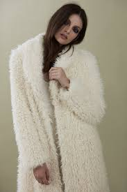 robe de mariã e beige de la creme coat