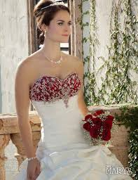 christmas wedding dresses 25 breathtaking christmas wedding ideas wedding photo