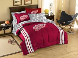 amazon com nhl detroit red wings twin full size comforter with amazon com nhl detroit red wings twin full size comforter with sham set sports fan bed comforters sports outdoors