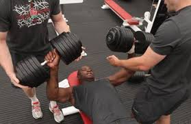 Dumbbell Bench Press Form What Are Good Dumbbell Weights To Start Bench Pressing With
