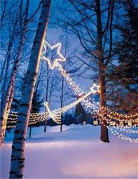 Outdoor Christmas Lights Yard Decorations by Best 25 Christmas Lights Outside Ideas On Pinterest Christmas