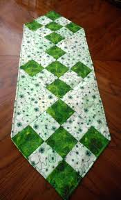st patrick s day table runner 17 diy quilted table runner ideas for all year round homesthetics