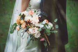 boutonniere cost how much do wedding flowers cost a florist s guide for brides on