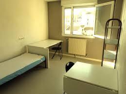 chambre universitaire bordeaux résidence crous residence tauzin 33 bordeaux lokaviz