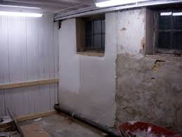 Basement Wall Waterproofing by Best 25 Unfinished Basement Walls Ideas On Pinterest Stone For