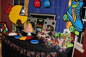 80s party table decorations 6c236e6dbe176769b584a126b07ef960 jpg 737 491 pixels maya k s