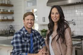 chip joanna gaines buzzfeed s hit piece on chip and joanna gaines is dangerous the