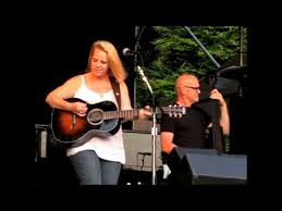 chapin carpenter at the twist and shout concerts