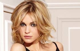 best hairstyle for square face over 40 min hairstyles for hairstyles for square faces over best images