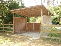How To Build A Easy Shed by The 25 Best Horse Shelter Ideas On Pinterest Field Shelters