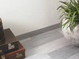 Light Grey Laminate Flooring Lpu1505 Authentic Oak Quick Step Co Uk