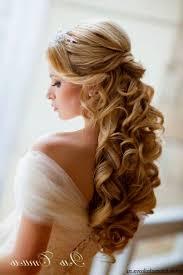bridal hair for oval faces best 25 wedding tiara hair ideas on pinterest tiara hairstyles