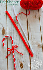 Christmas Candy Craft - make a pipe cleaner candy cane craft ornament with the kids for