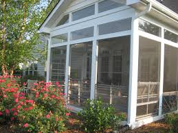 Screened In Porch Decor With Eze Breeze Windows This Screened In Porch Can Act More Like A