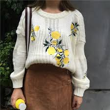semi cropped knit sweater with lemon detailing