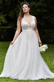 wedding dresses for larger brides 25 wedding dresses that are for curvy brides plunging