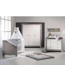 babyzimmer möbel set glanzvoller auftritt im kinderzimmer mit dem komplett set aus