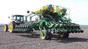 John Deere 7200 Planter by John Deere 1785 Planter Fiften Row John Deere Drawn Planters