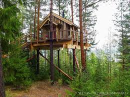 three house take a look at pete nelson s international treehouse in